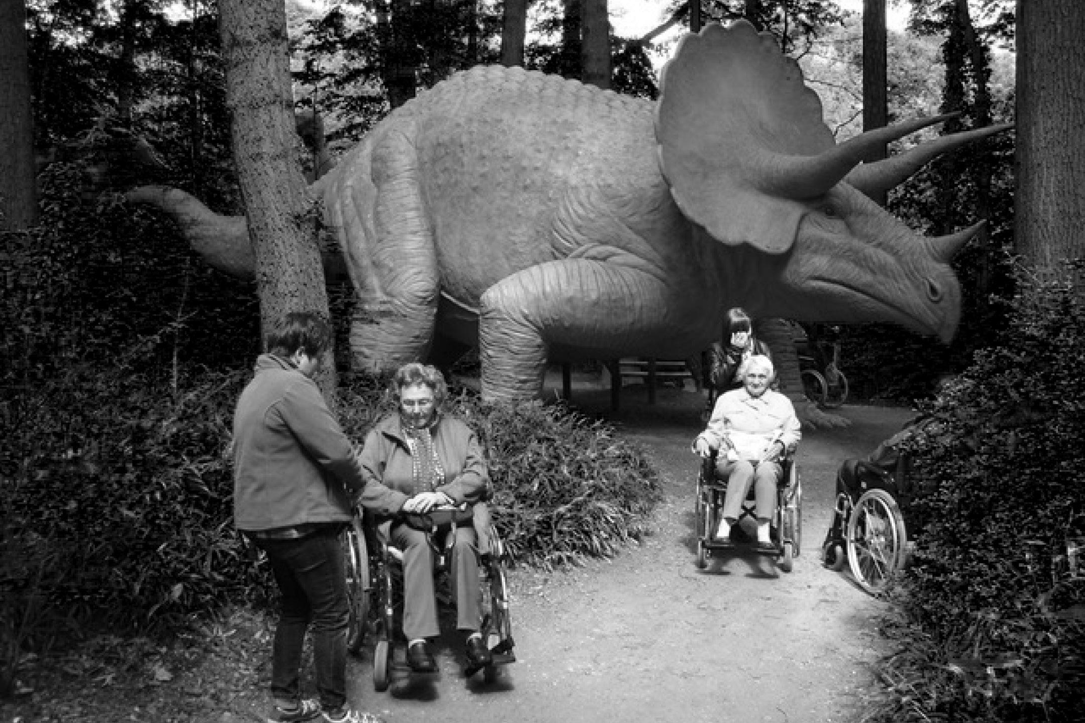 Retla_01A Senioren mit Dinosaurier